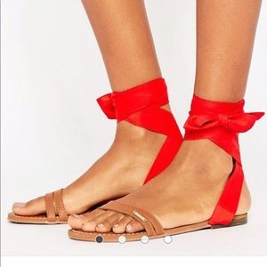 Abercrombie & Fitch tie up flat sandals